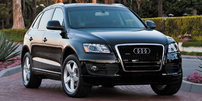 Used 2010 Audi Q5 in Waterbury, Connecticut | Platinum Auto Care. Waterbury, Connecticut