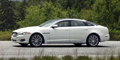 Used 2013 Jaguar XJ in New Britain, Connecticut | Central Auto Sales & Service. New Britain, Connecticut