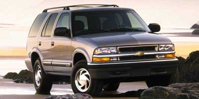 Used 2000 Chevrolet Blazer in Newington, Connecticut | Wholesale Motorcars LLC. Newington, Connecticut