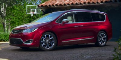 Used 2020 Chrysler Pacifica in Colby, Kansas | M C Auto Outlet Inc. Colby, Kansas