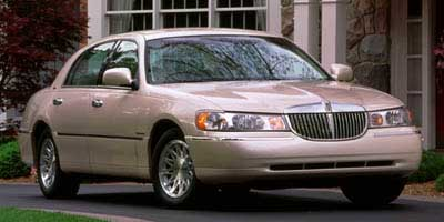 Used Lincoln Town Car 4dr Sdn Signature 1998 | Classic Motor Cars. East Hartford , Connecticut