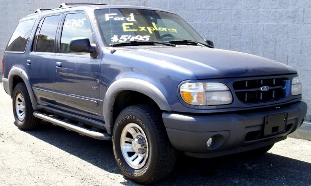 Used 2000 Ford Explorer in Bronx, New York | New York Motors Group Solutions LLC. Bronx, New York