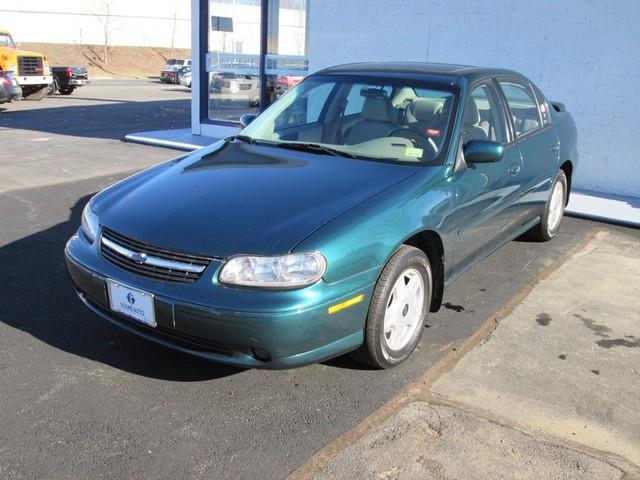 2001 Chevrolet Malibu LS photo
