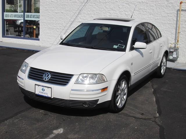 2003 Volkswagen Passat GLX photo