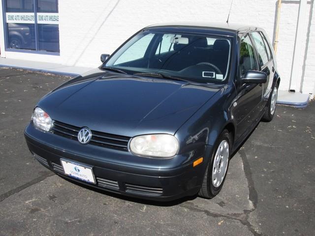 2004 Volkswagen Golf GL photo