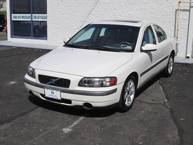 2002 Volvo S60 2.4 photo