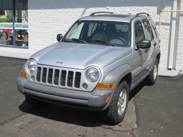 2005 Jeep Liberty Sport photo