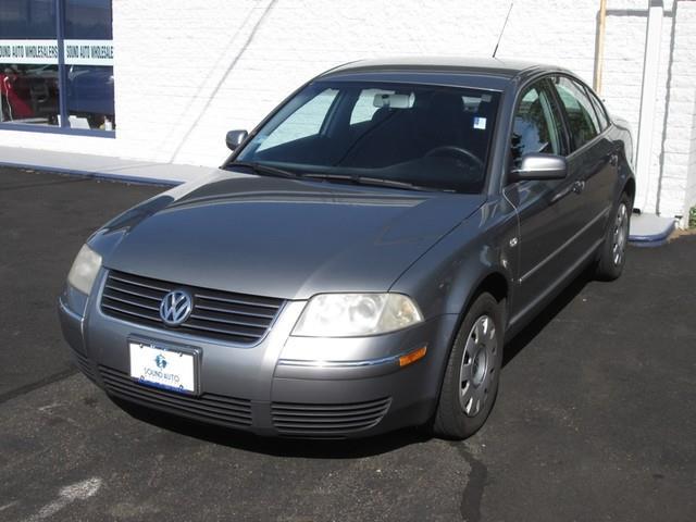 2003 Volkswagen Passat GL photo