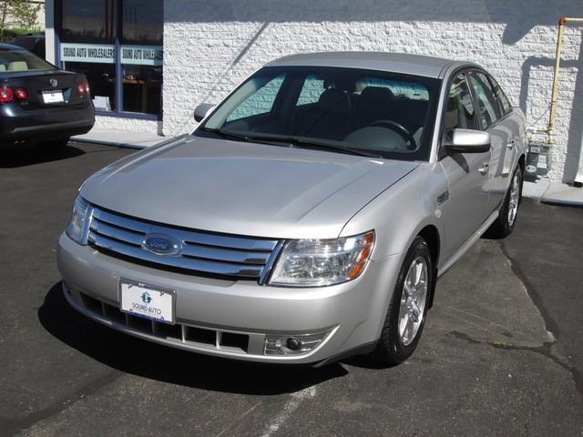 2008 Ford Taurus SEL photo