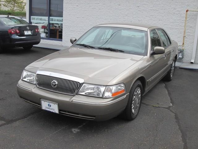2004 Mercury Grand Marquis GS photo