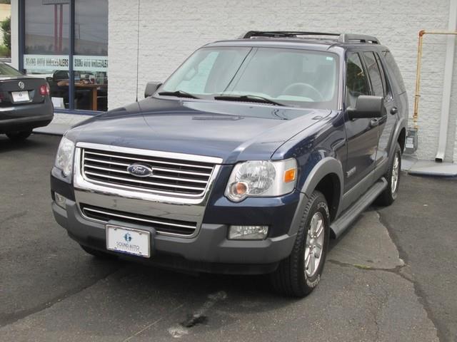 2006 Ford Explorer XLT photo