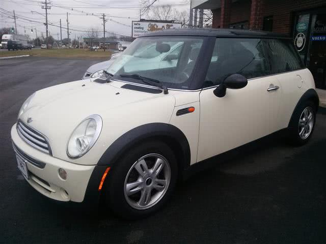 Used 2006 MINI Cooper Hardtop in Wallingford, Connecticut | Vertucci Automotive Inc. Wallingford, Connecticut