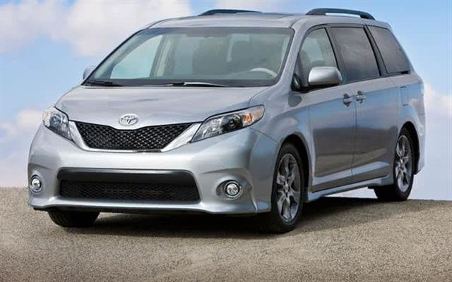 Used Toyota Sienna 5dr 8-Pass Van LE FWD (Natl) 2015 | NY Auto Traders Leasing. New York, New York