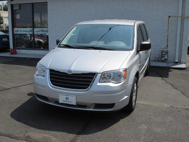 2008 Chrysler Town & Country LX photo