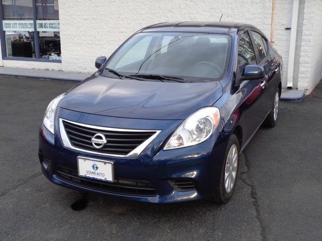 2013 Nissan Versa 1.6 S photo