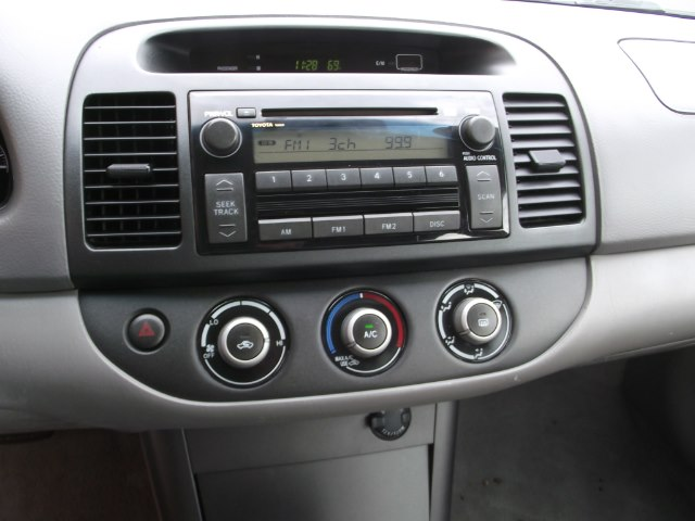 Used Toyota Camry 4dr Sdn LE Auto 2005   National Auto Brokers, Inc.. Waterbury, Connecticut