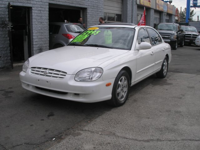 2000 Hyundai Sonata 4dr Sdn GLS V6 Auto, available for sale in New Haven, Connecticut | Performance Auto Sales LLC. New Haven, Connecticut