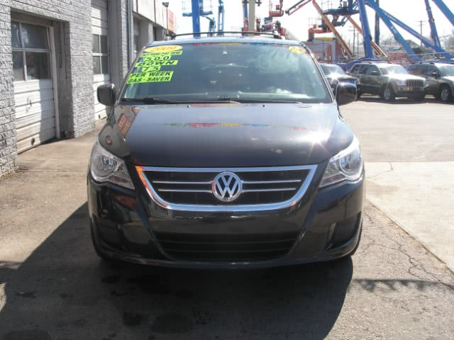 Used 2009 Volkswagen Routan in New Haven, Connecticut | Performance Auto Sales LLC. New Haven, Connecticut