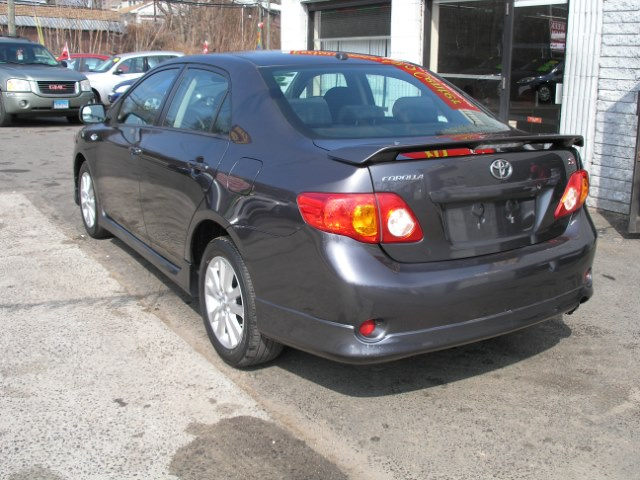 2009 Toyota Corolla 4dr Sdn Auto (Natl), available for sale in New Haven, Connecticut | Performance Auto Sales LLC. New Haven, Connecticut