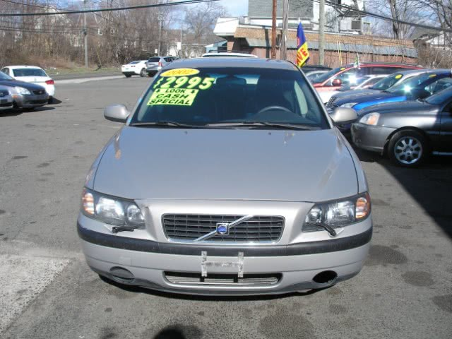 Used 2002 Volvo S60 in New Haven, Connecticut | Performance Auto Sales LLC. New Haven, Connecticut