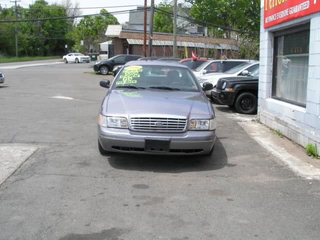 Used 2006 Ford Crown Victoria in New Haven, Connecticut | Performance Auto Sales LLC. New Haven, Connecticut