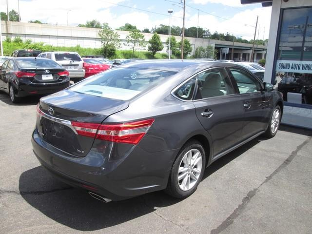 2013 Toyota Avalon XLE photo