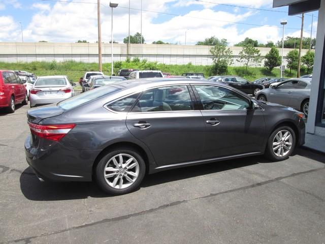 The 2013 Toyota Avalon XLE