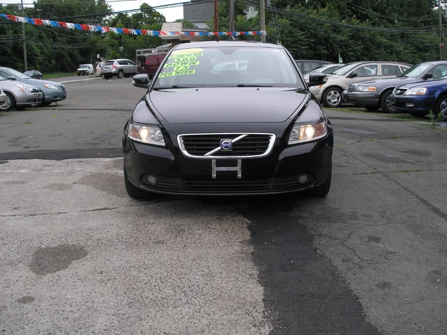 Used 2010 Volvo S40 in New Haven, Connecticut | Performance Auto Sales LLC. New Haven, Connecticut