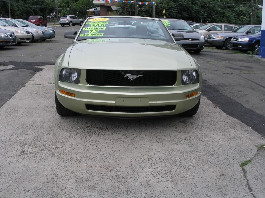 Used 2005 Ford Mustang in New Haven, Connecticut | Performance Auto Sales LLC. New Haven, Connecticut