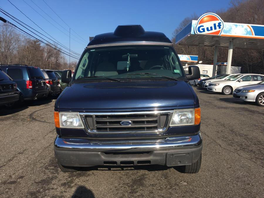 2006 Ford Econoline Wagon E-350 Super Ext XLT, available for sale in Meriden, Connecticut | Five Star Cars LLC. Meriden, Connecticut