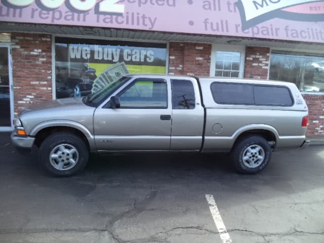 Used 2003 Chevrolet S-10 in Naugatuck, Connecticut | Riverside Motorcars, LLC. Naugatuck, Connecticut