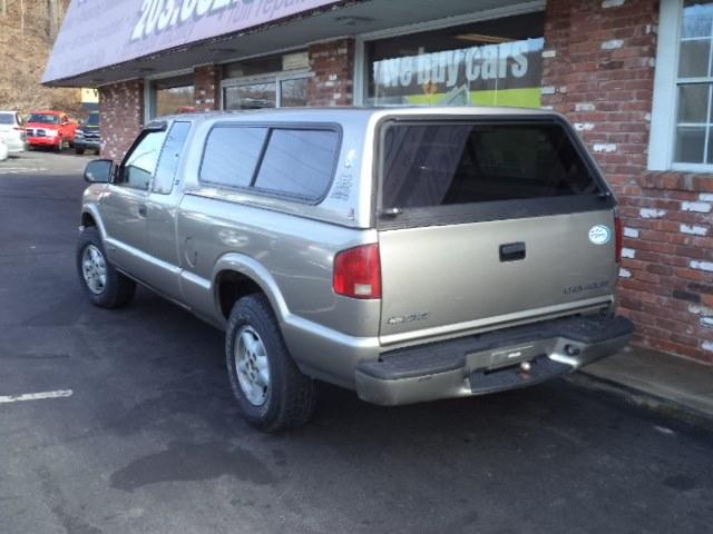 "Used Chevrolet S-10 Ext Cab 123"" WB 4WD 2003 | Riverside Motorcars, LLC. Naugatuck, Connecticut"