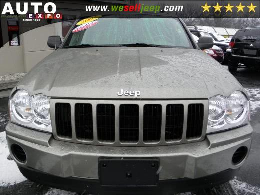 2005 Jeep Grand Cherokee Laredo photo