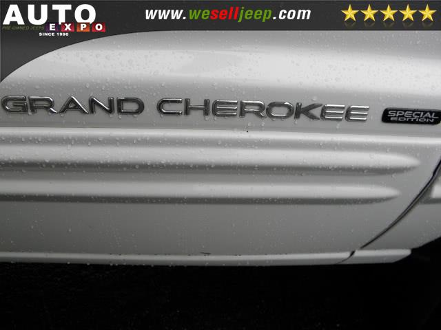 2002 Jeep Grand Cherokee Laredo photo