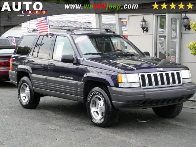 1997 Jeep Grand Cherokee 4dr Laredo 4WD, available for sale in Huntington, New York | Auto Expo. Huntington, New York