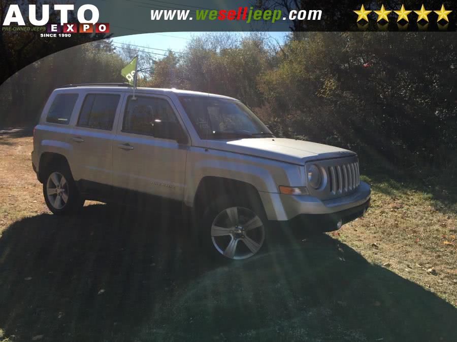 The 2013 Jeep Patriot Latitude photos