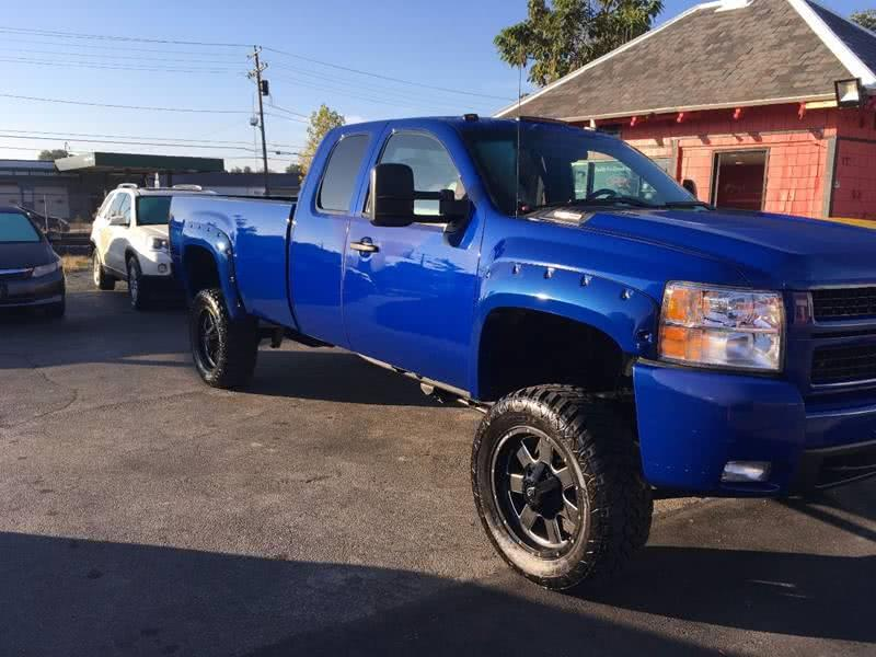 Used 2009 Chevrolet Silverado 2500hd in Framingham, Massachusetts | Mass Auto Exchange. Framingham, Massachusetts