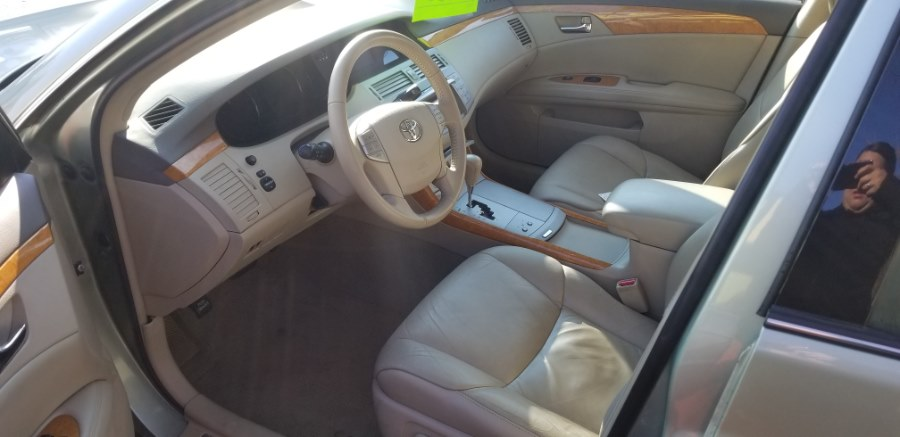 2006 Toyota Avalon 4dr Sdn XLS, available for sale in East Hartford , Connecticut | Classic Motor Cars. East Hartford , Connecticut