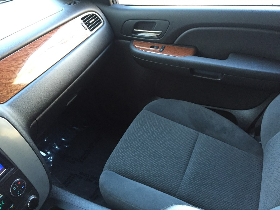 2008 GMC Yukon 4WD 4dr 1500 SLT w/4SB, available for sale in Bristol, Connecticut | Bristol Auto Center LLC. Bristol, Connecticut