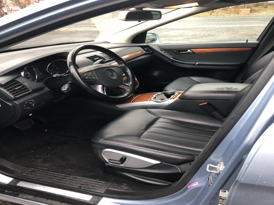2007 Mercedes-Benz R-Class 4MATIC 4dr 3.5L, available for sale in Islip, New York   111 Used Car Sales Inc. Islip, New York