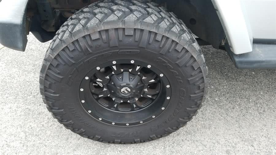 2007 Jeep Wrangler 4WD 4dr Unlimited Sahara, available for sale in Shirley, New York | Roe Motors Ltd. Shirley, New York