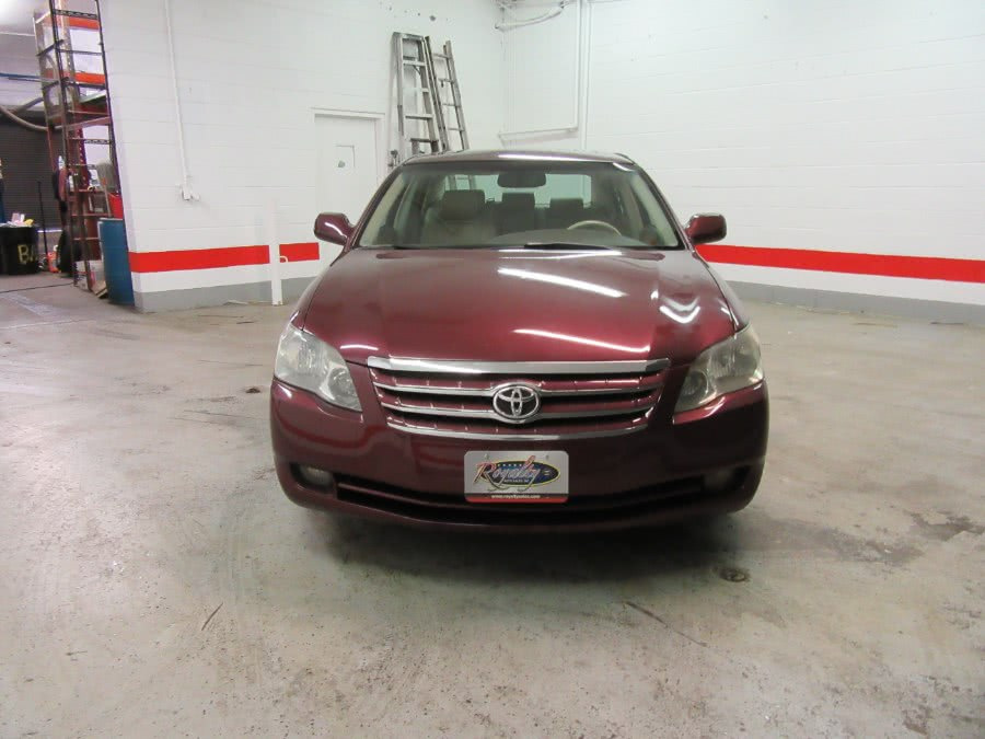 2007 Toyota Avalon 4dr Sdn XLS (Natl), available for sale in Little Ferry, New Jersey | Victoria Preowned Autos Inc. Little Ferry, New Jersey