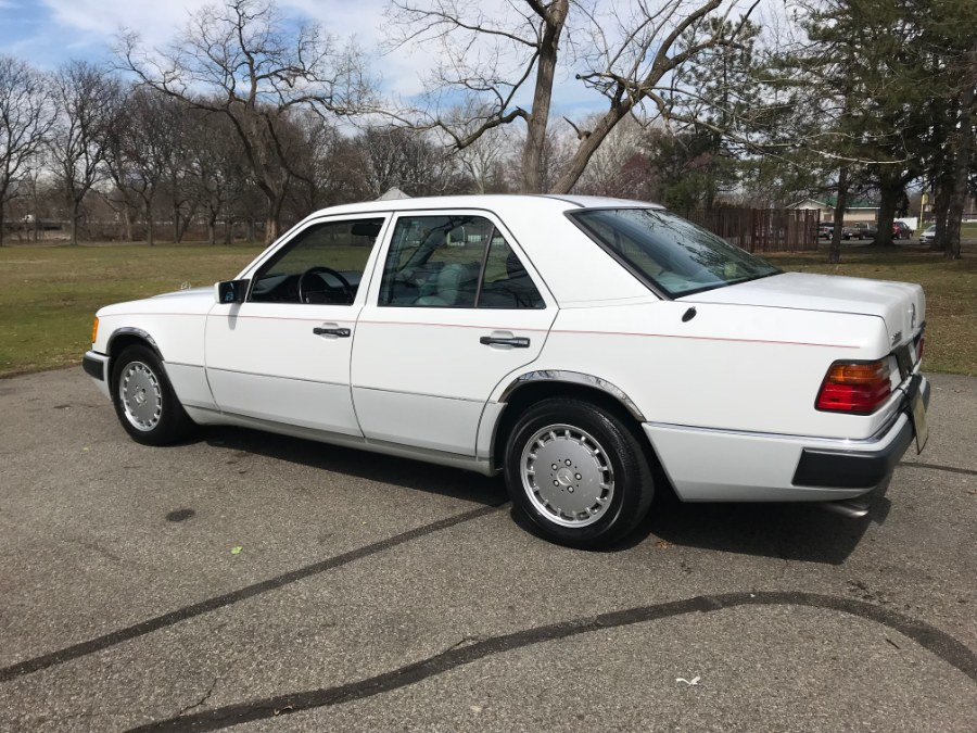 1990 Mercedes-Benz 300 Series 4dr Sedan 300E Auto, available for sale in Lyndhurst, New Jersey | Cars With Deals. Lyndhurst, New Jersey