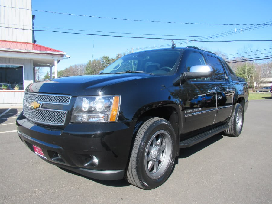 Used 2009 Chevrolet Avalanche in South Windsor, Connecticut | Mike And Tony Auto Sales, Inc. South Windsor, Connecticut