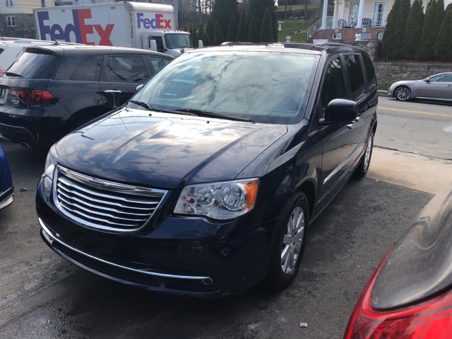 Used 2015 Chrysler Town & Country in Port Chester, New York | JC Lopez Auto Sales Corp. Port Chester, New York