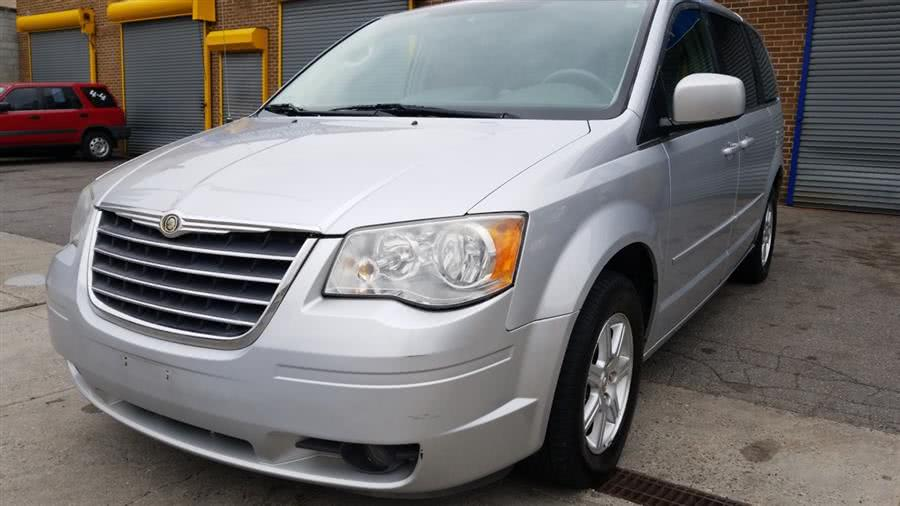 Used 2008 Chrysler Town & Country in Bronx, New York | New York Motors Group Solutions LLC. Bronx, New York