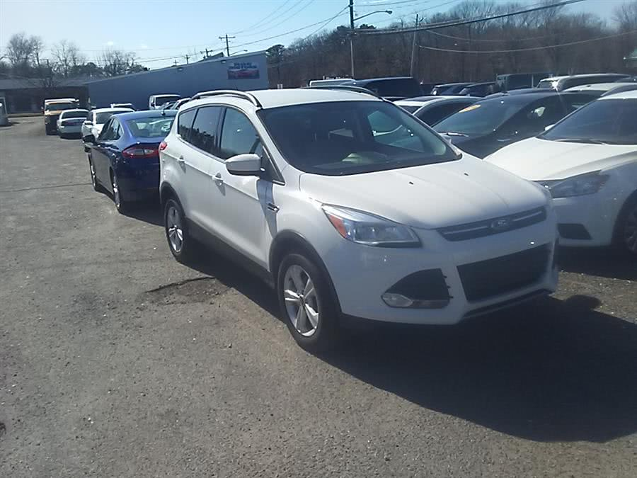2016 Ford Escape FWD 4dr SE, available for sale in Shirley, New York | Roe Motors Ltd. Shirley, New York