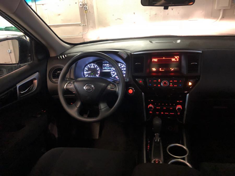 2016 Nissan Pathfinder 4WD 4dr Platinum, available for sale in Danbury, Connecticut   Safe Used Auto Sales LLC. Danbury, Connecticut