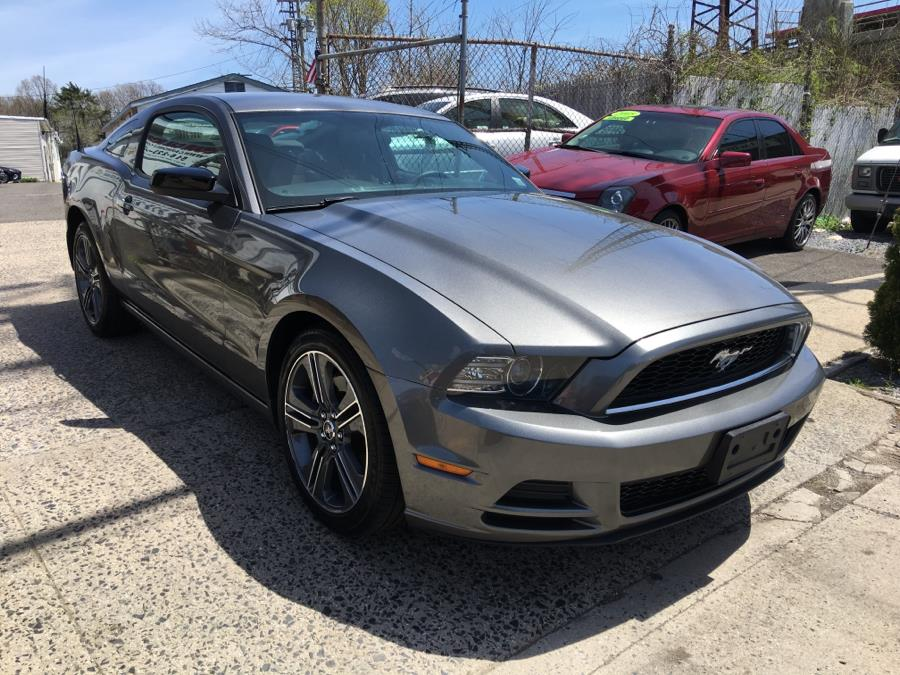 Used Ford Mustang 2dr Cpe V6 2013 | Carmoney Auto Sales. Baldwin, New York