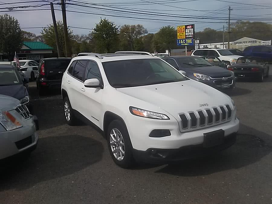 2015 Jeep Cherokee FWD 4dr Latitude, available for sale in Shirley, New York | Roe Motors Ltd. Shirley, New York